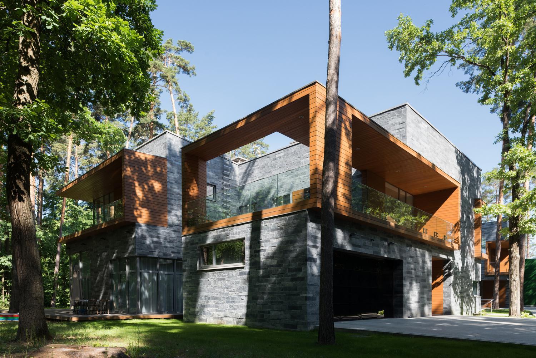 Два дома с красивым фасадом в Московской области от DNK Ag