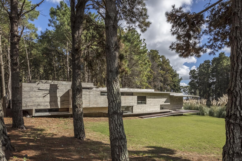 Costa Esmeralda - бетонная крепость в Аргентине