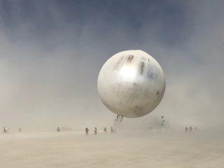 Лучшие скульптуры Burning Man 2018