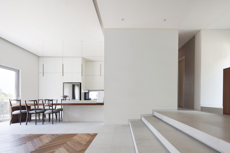 Двухэтажный бетонный дом 100A associates в Южной Корее