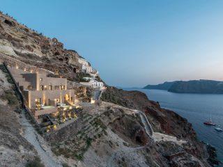 Крошечный отель на острове Санторини