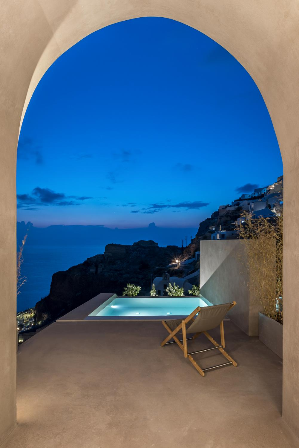 Small Hotel in OIA Castle Kapsimalis Architects