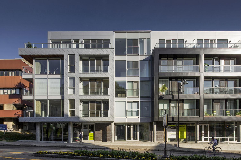 Tandem Condos Sur Cour - жилая 5-этажка в Квебеке