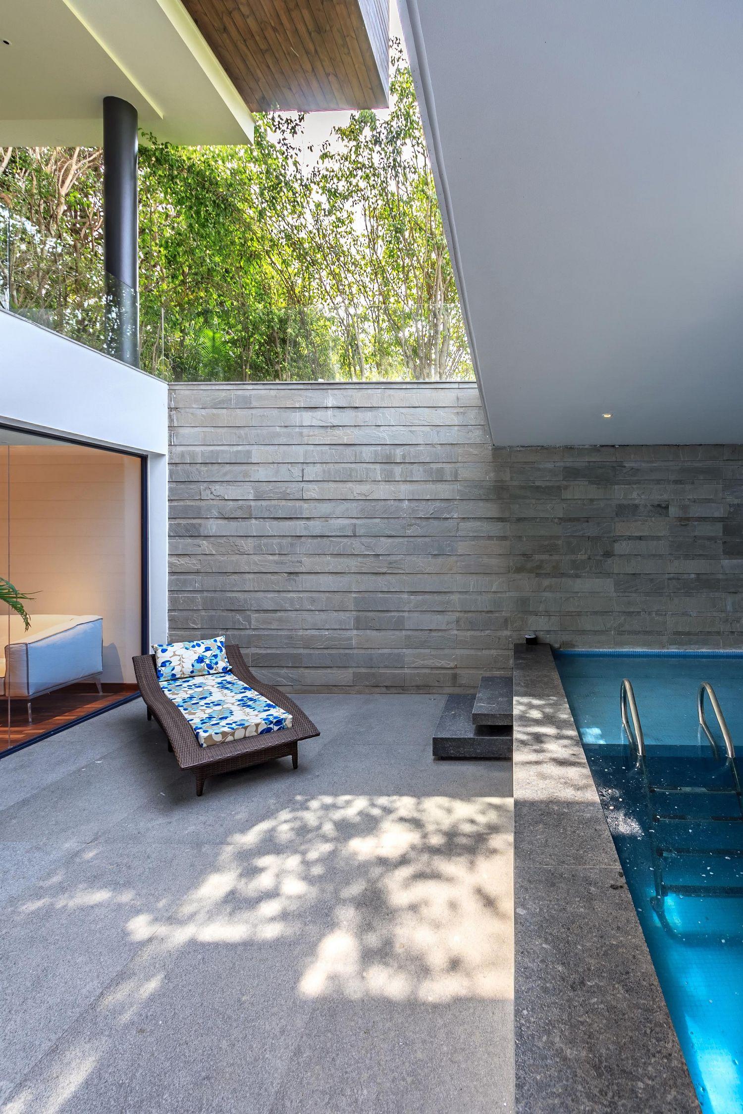 Трехэтажный дом в пригороде Нью-Дели