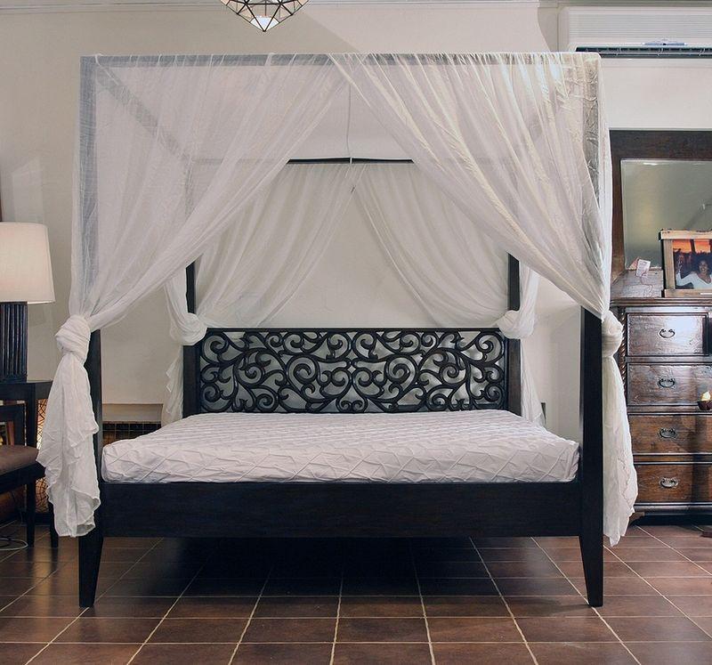 Каркас балдахина по периметру кровати