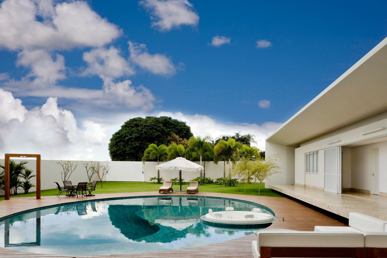 Дом в Бразилии от студии Leo Romano