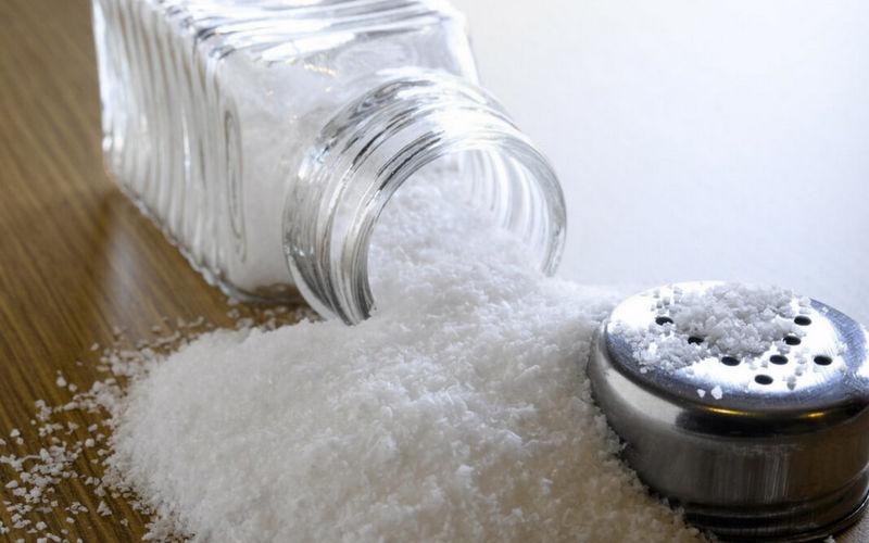 Как избавиться от запаха в шкафу - поваренная соль