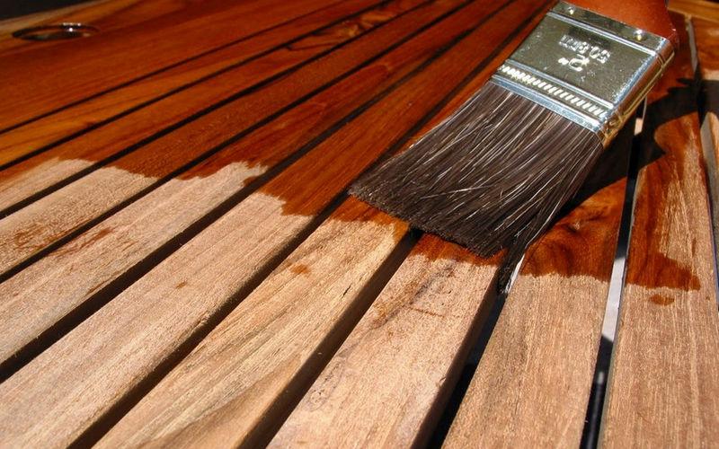 Настил деревянного пола - обработка древесины антисептиком