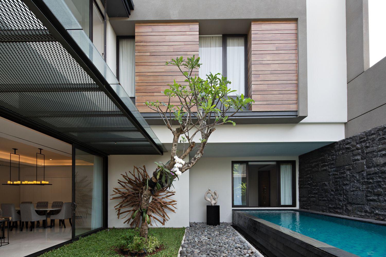 Дом площадью 425 кв. метров в Джакарте