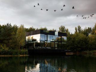 Вилла на озере