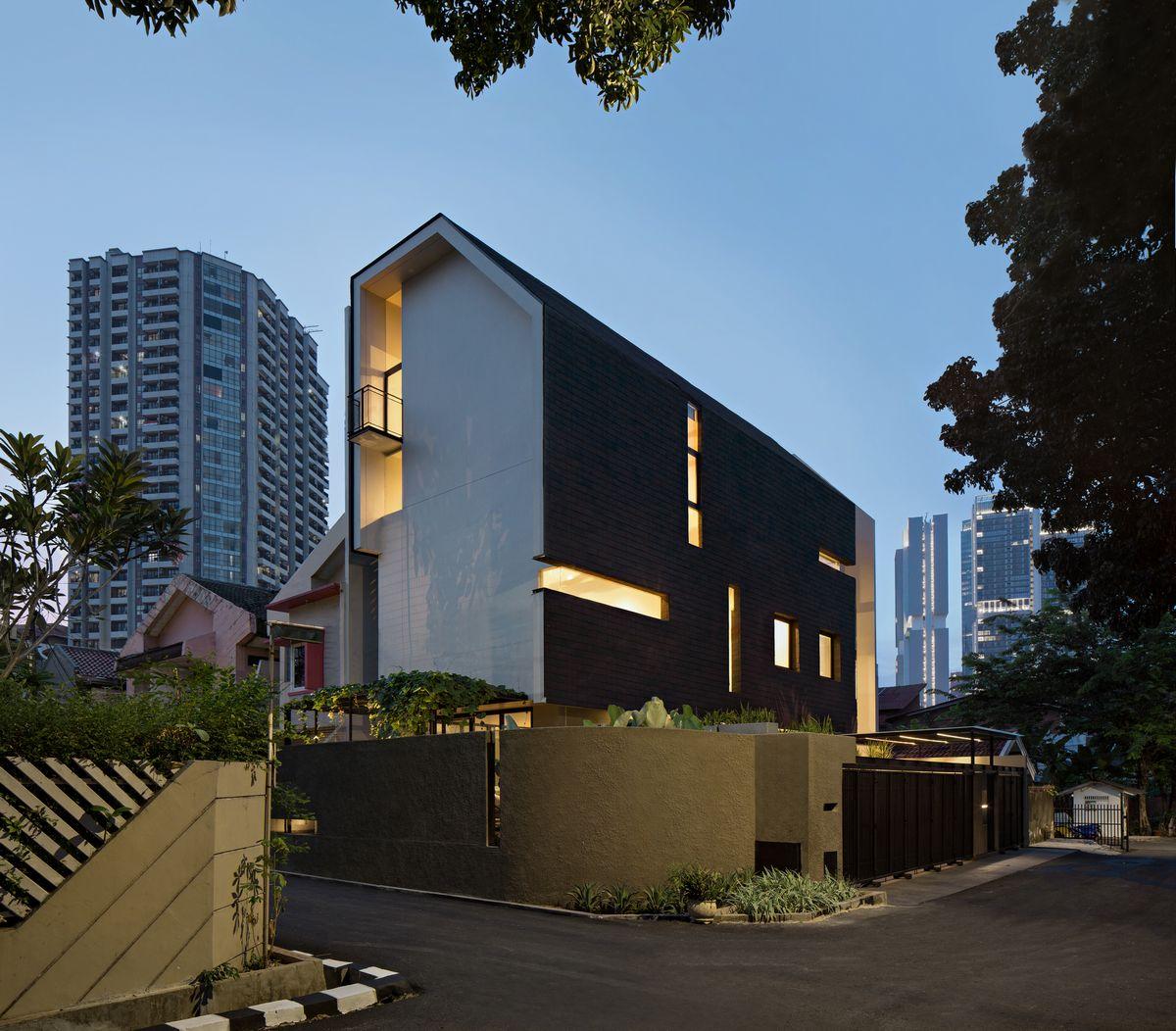 Функциональный дом в Джакарте
