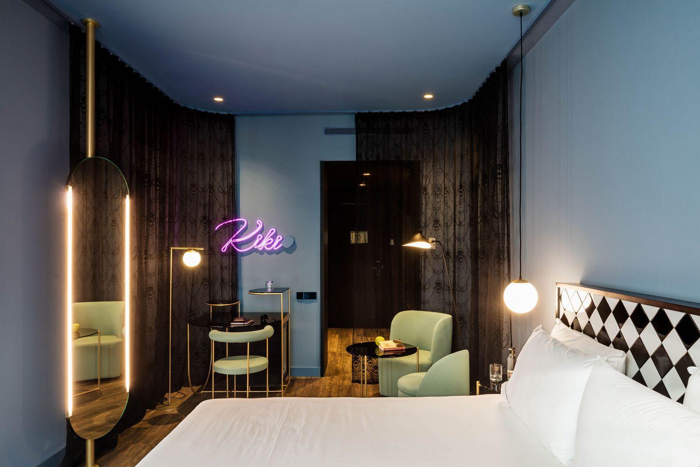 Отель AXEL в историческом районе Мадрида