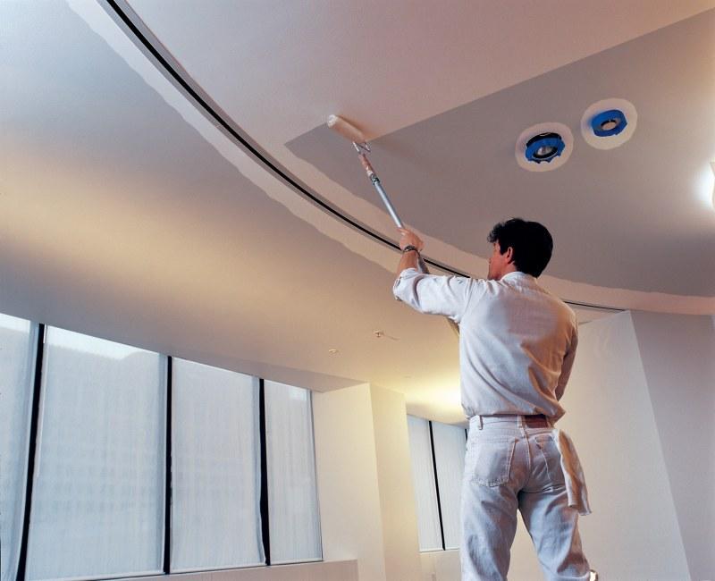 Как покрасить потолок из ГКЛ своими руками