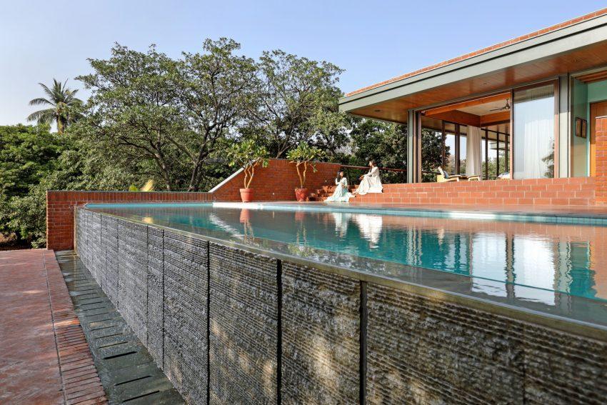 Nirmal Farm - The House that Embraces Nature